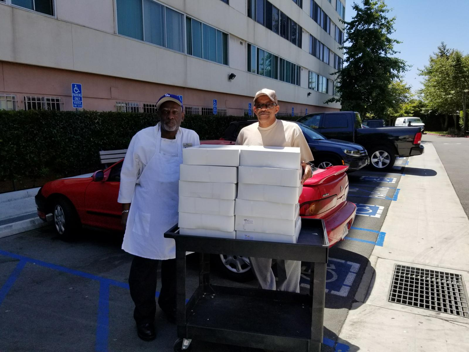 Veterans Wellness Services - Donating Food To US Vets